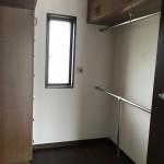 2階の洋室のウォークインクローゼット